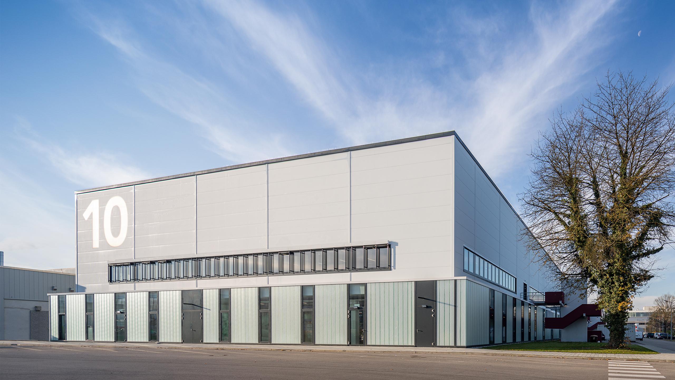 BEOS_NOVA_Produktion_Neufahrn_Industriearchitektur_Gewerbepark